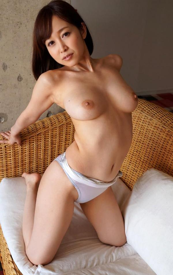 篠田ゆう 巨乳デカ尻 極上ボディ美女エロ画像80枚の054枚目