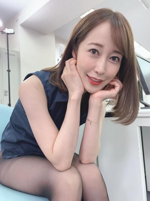 篠田ゆう FANZAでAV女優ランキング常連の巨乳美女エロ画像53枚のa04枚目