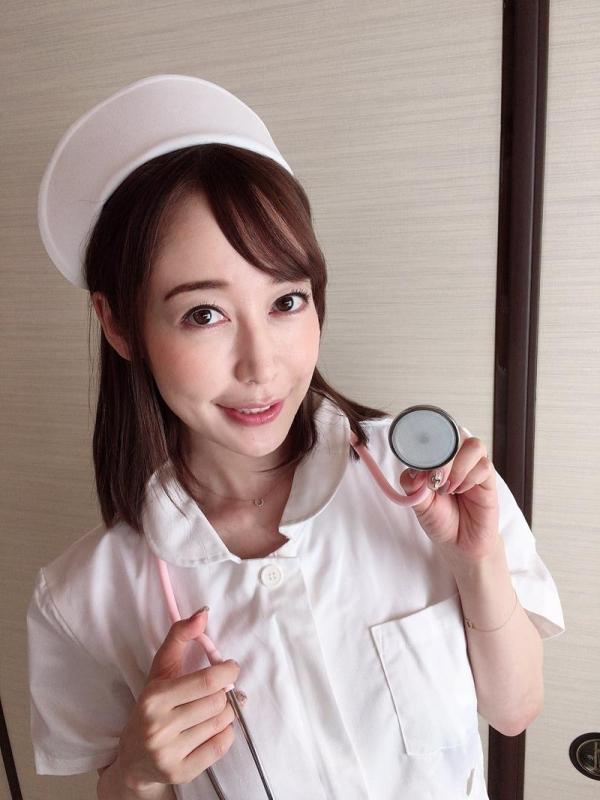 篠田ゆう FANZAでAV女優ランキング常連の巨乳美女エロ画像53枚のa09枚目