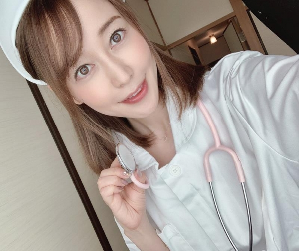 篠田ゆう FANZAでAV女優ランキング常連の巨乳美女エロ画像53枚のa10枚目