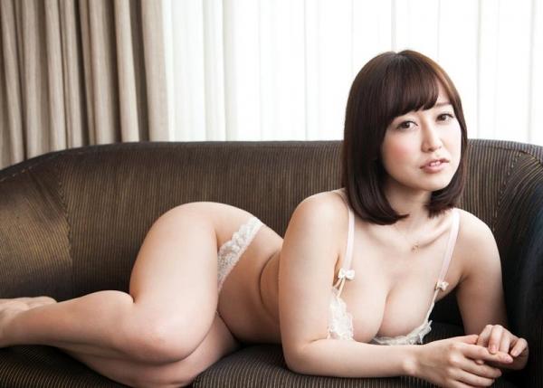 篠田ゆう FANZAでAV女優ランキング常連の巨乳美女エロ画像53枚のb05枚目