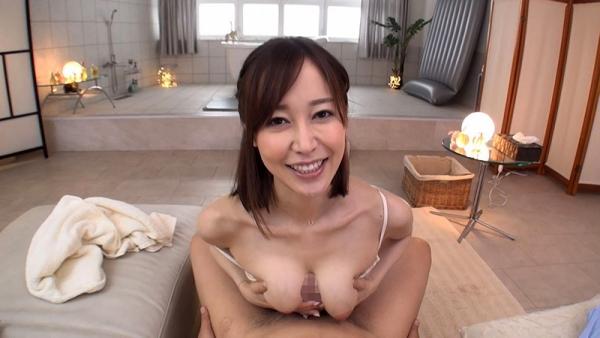 巨乳デカ尻 篠田ゆう のリアル中出しセックスエロ画像47枚のc03枚目