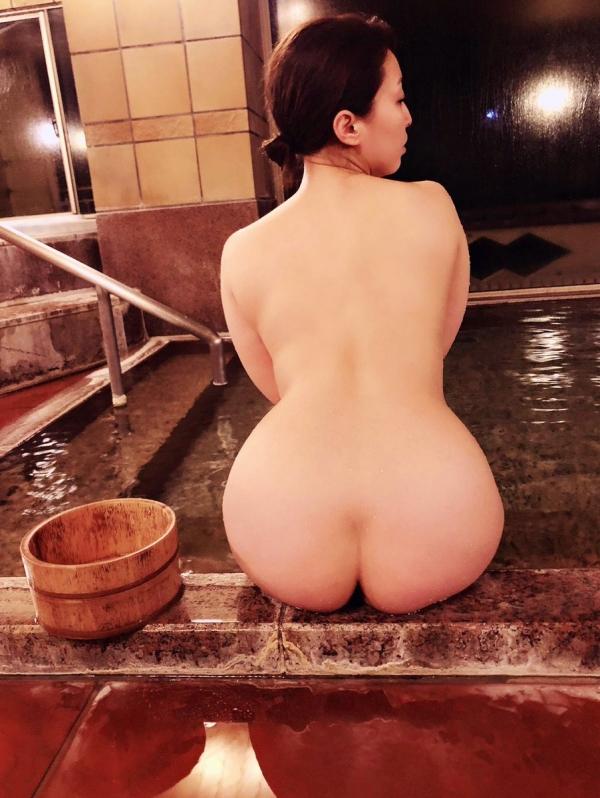 篠崎かんな ムッチムチ巨乳で肉感美尻の美女エロ画像82枚のa03枚目