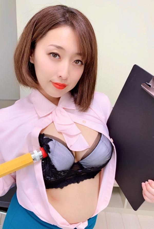 篠崎かんな ムッチムチ巨乳で肉感美尻の美女エロ画像82枚の2