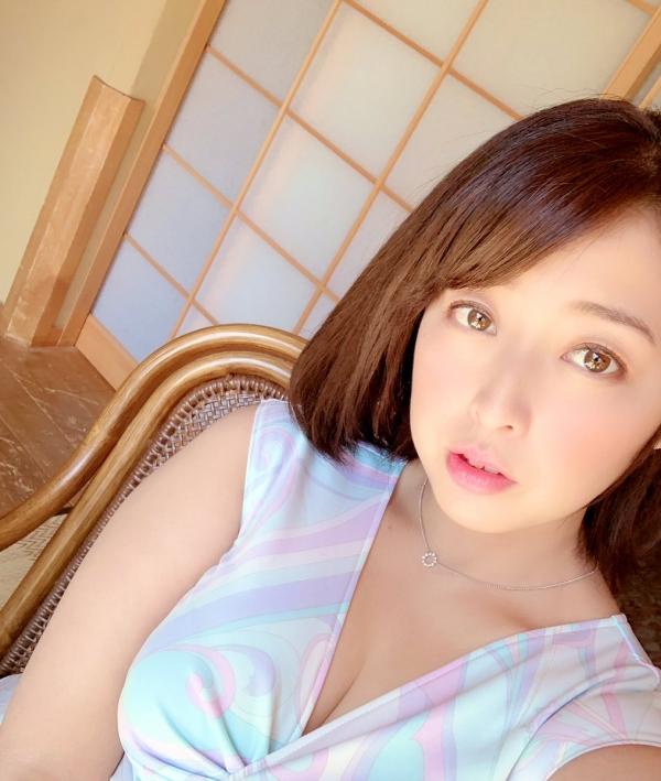 篠崎かんな ムッチムチ巨乳で肉感美尻の美女エロ画像82枚のa19枚目