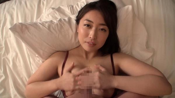 篠崎かんな ムッチムチ巨乳で肉感美尻の美女エロ画像82枚のb03枚目
