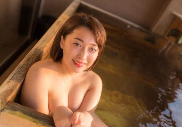 篠崎かんな ムッチムチGカップの豊満美女エロ画像42枚のa07枚目