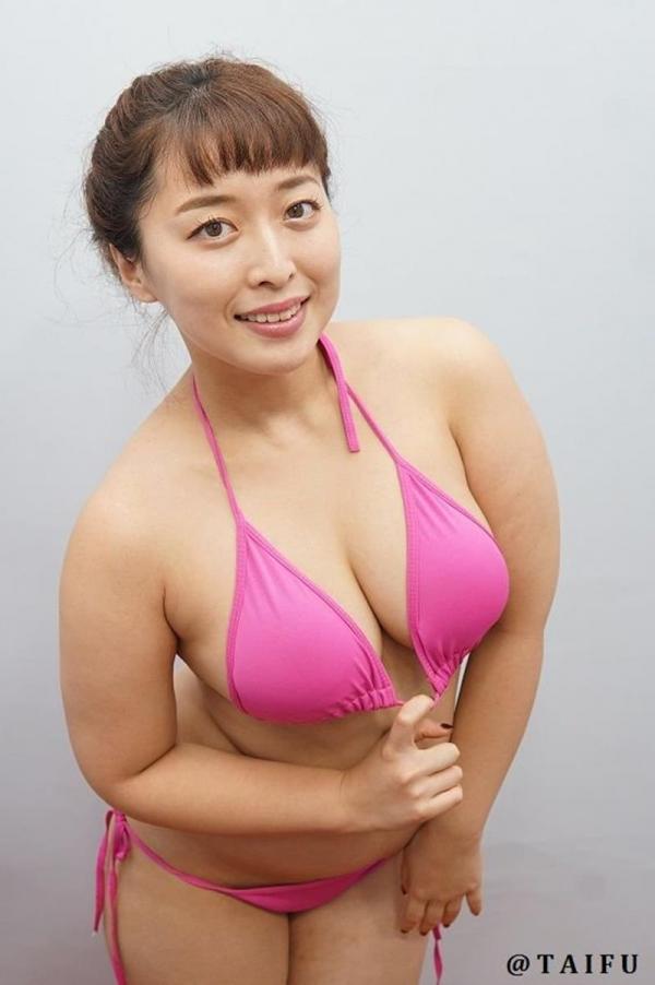 篠崎かんな ムッチムチGカップの豊満美女エロ画像42枚のa09枚目