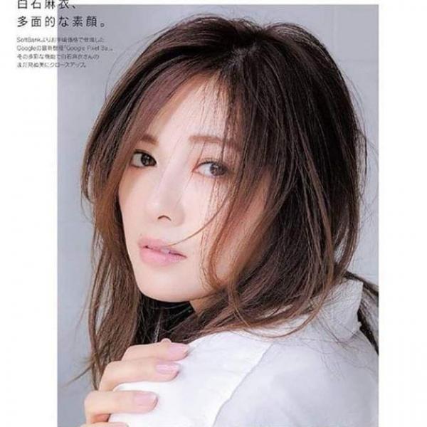 8月20日は白石麻衣さん27歳のお誕生日ですエロ画像34枚のa08枚目