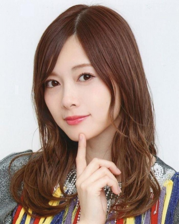 8月20日は白石麻衣さん27歳のお誕生日ですエロ画像34枚のa18枚目