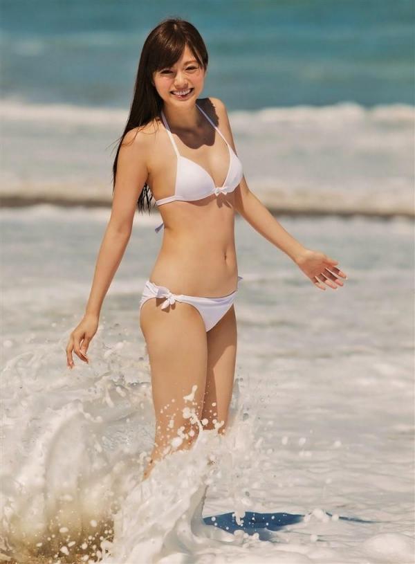 8月20日は白石麻衣さん27歳のお誕生日ですエロ画像34枚のa21枚目