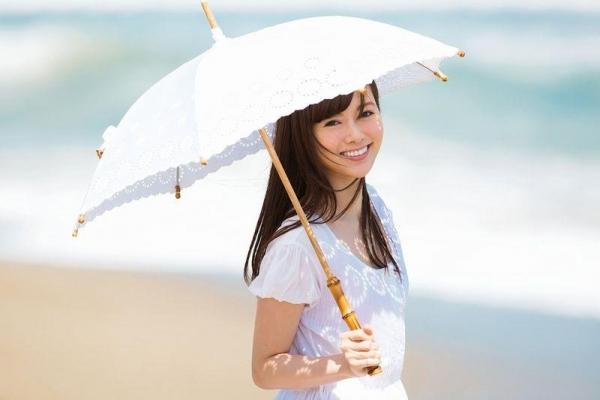 8月20日は白石麻衣さん27歳のお誕生日ですエロ画像34枚のa25枚目