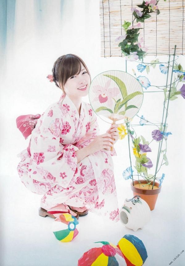 白石麻衣の水着姿と生田絵梨花いくまい仲良しツーショット画像50枚の202番