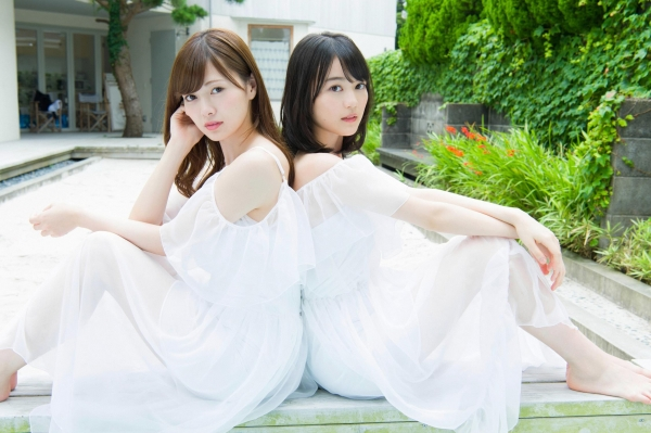 白石麻衣の水着姿と生田絵梨花いくまい仲良しツーショット画像50枚の403番