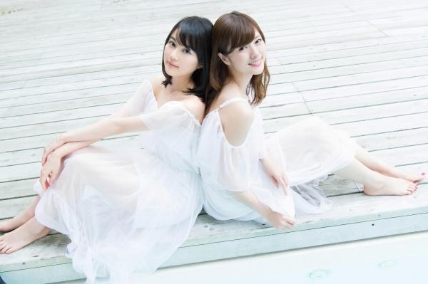 白石麻衣の水着姿と生田絵梨花いくまい仲良しツーショット画像50枚の414番