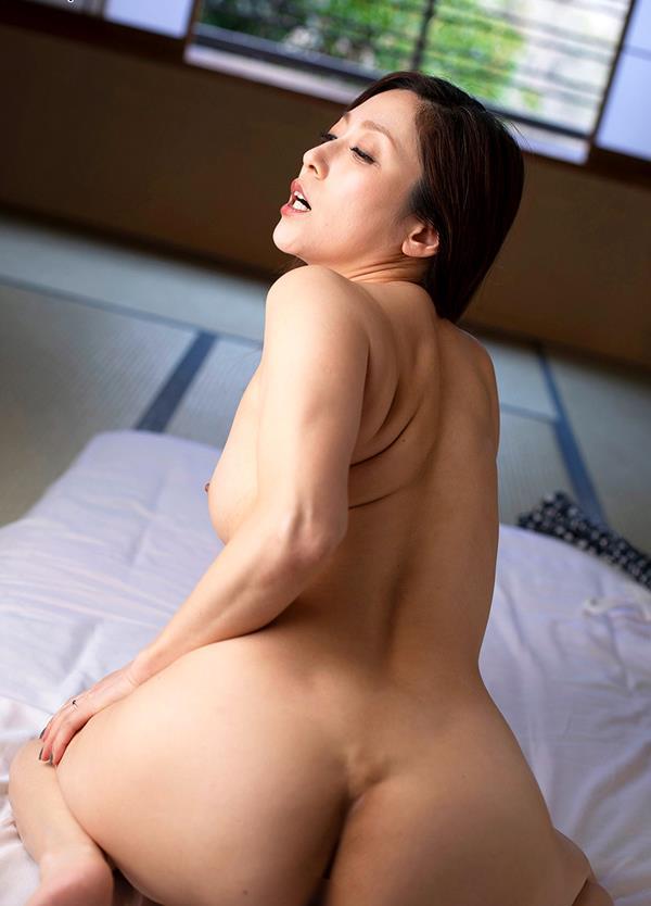 酔っ払いにガンガン突かれてイッテしまった熟女の白木優子さんエロ画像38枚のb03枚目