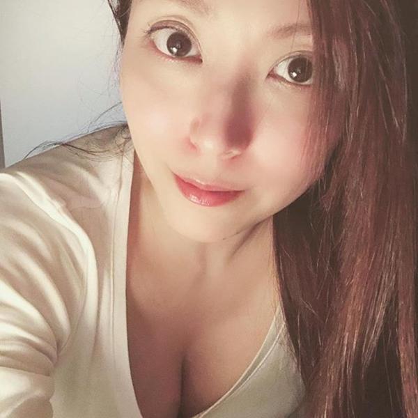 40代美熟女 白木優子 巨乳ボディエロ画像90枚のa3枚目