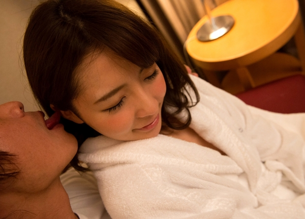 白咲ゆず 元アキバのメイドミニマム美女エロ画像82枚の57枚目