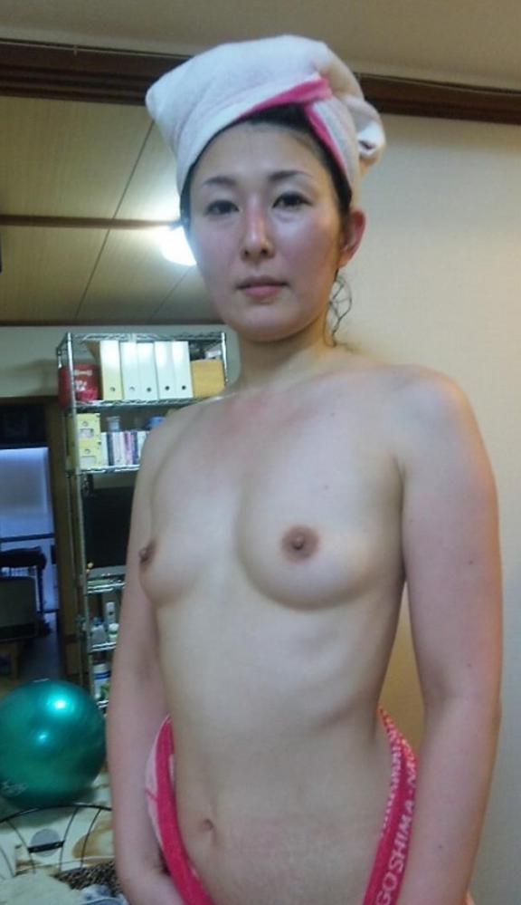 普通のおばさんの裸