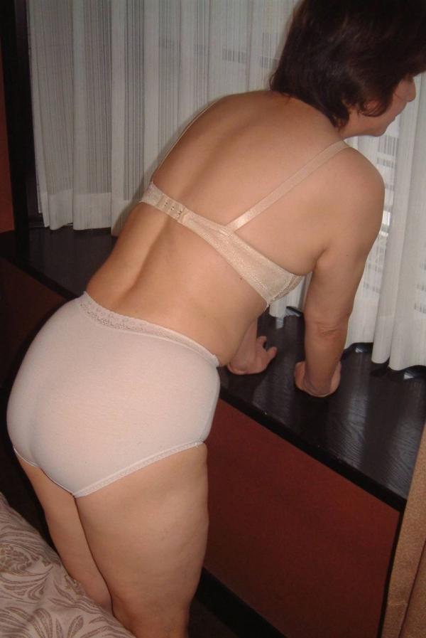 熟女の下着姿をひたすら貼ってくよ。エロ画像80枚の010枚目