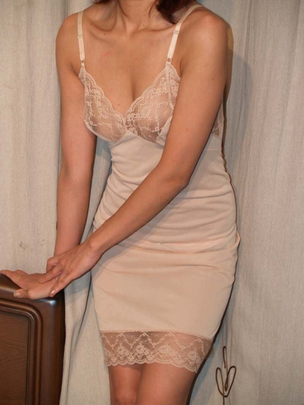 熟女の下着姿をひたすら貼ってくよ。エロ画像80枚の057枚目