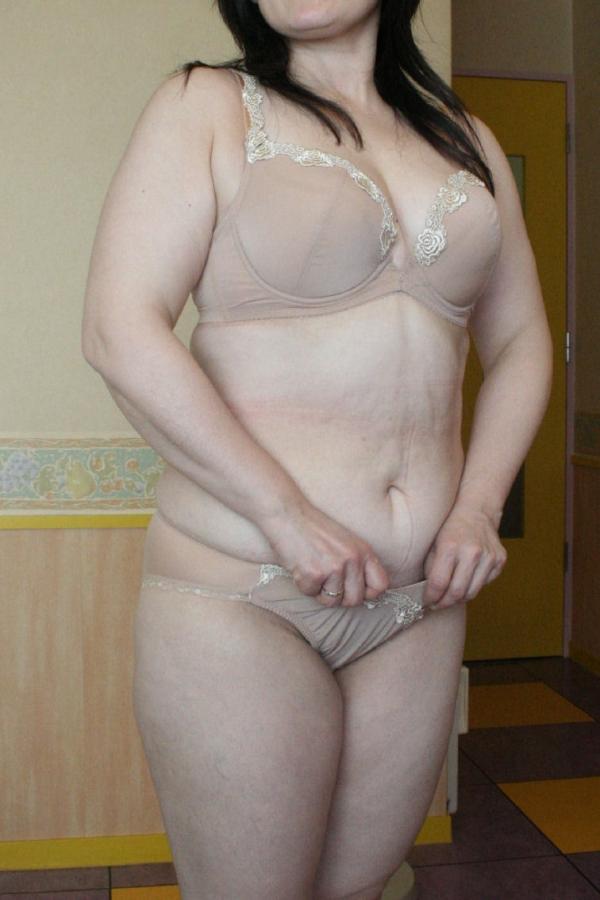 熟女の下着姿をひたすら貼ってくよ。エロ画像80枚の060枚目