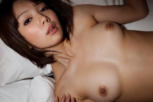 ショートカットのAV女優15人のエロ画像80枚の048枚目