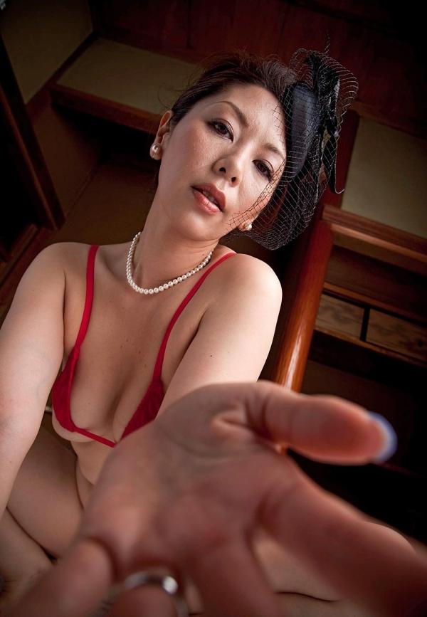 翔田千里 妖艶アラフィフ熟女ヌード画像150枚のa017番