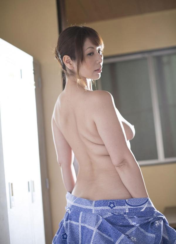 翔田千里 妖艶アラフィフ熟女ヌード画像150枚のb005番