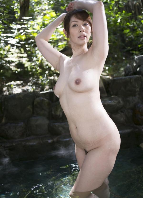 翔田千里 妖艶アラフィフ熟女ヌード画像150枚のb012番