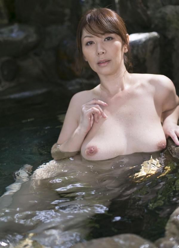 翔田千里 妖艶アラフィフ熟女ヌード画像150枚のb020番