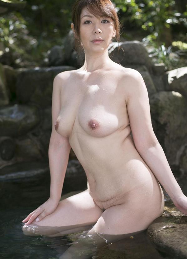 翔田千里 妖艶アラフィフ熟女ヌード画像150枚のb021番