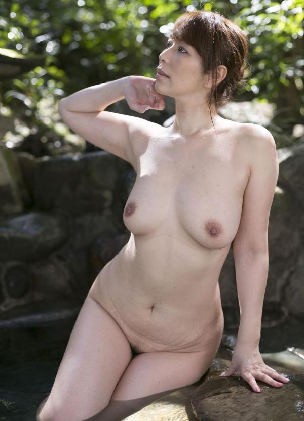 翔田千里 妖艶アラフィフ熟女ヌード画像150枚のb024番