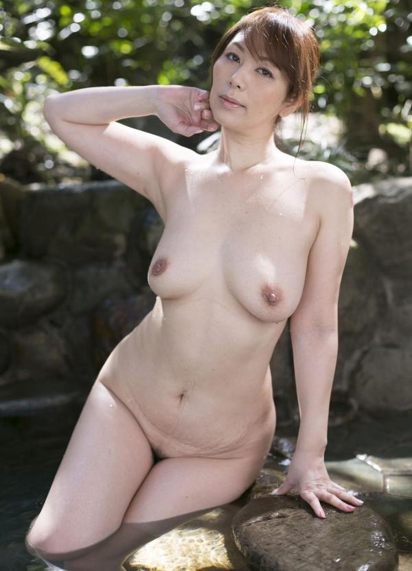 翔田千里 妖艶アラフィフ熟女ヌード画像150枚のb025番