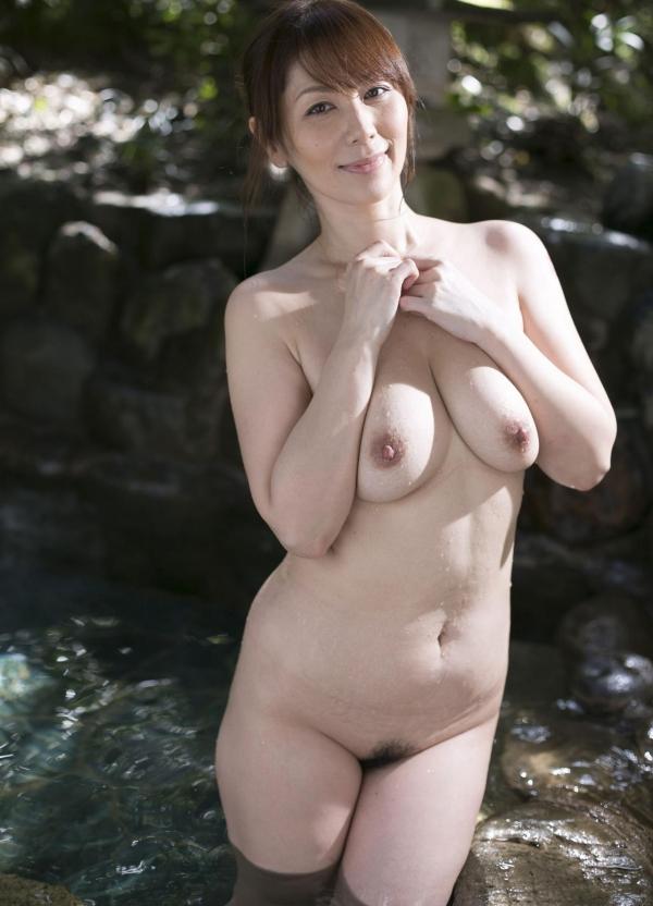翔田千里 妖艶アラフィフ熟女ヌード画像150枚のb027番