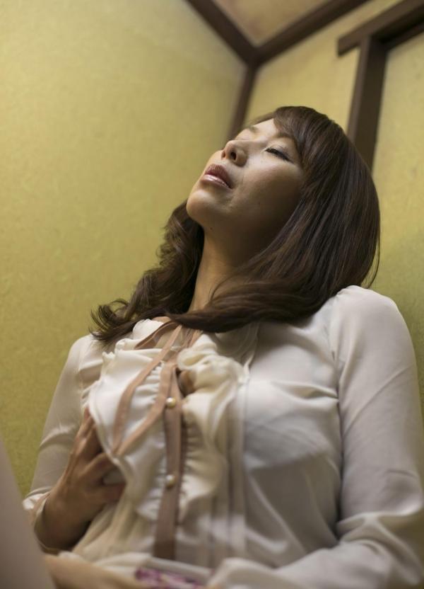 翔田千里 巨尻の年増熟女ヌード画像125枚の038枚目