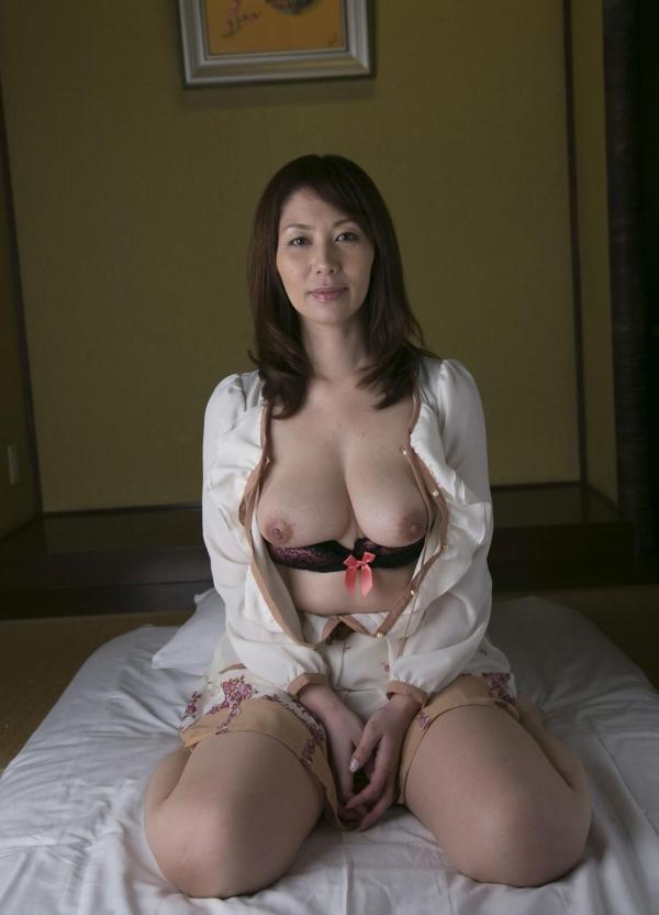翔田千里 巨尻の年増熟女ヌード画像125枚の050枚目