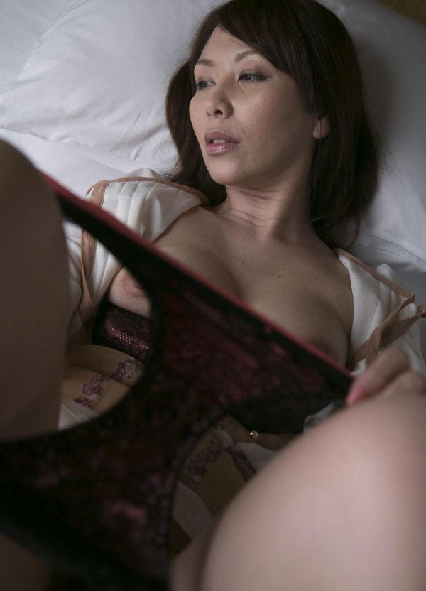 翔田千里 巨尻の年増熟女ヌード画像125枚の073枚目