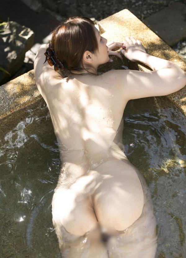 翔田千里 巨尻の年増熟女ヌード画像125枚の125枚目