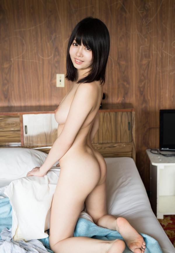 スレンダー巨乳の美女画像100枚の041枚目