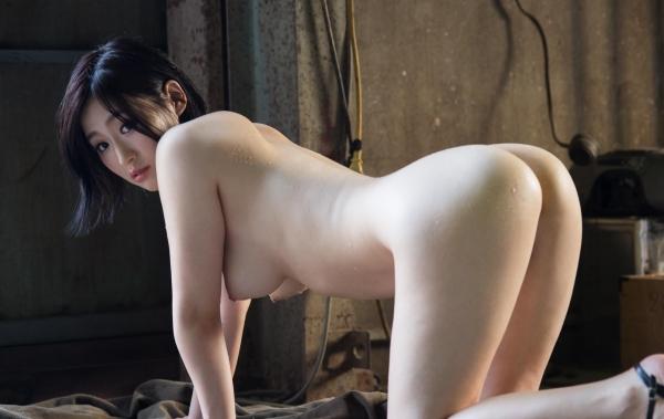 スレンダー巨乳の美女画像100枚の073枚目