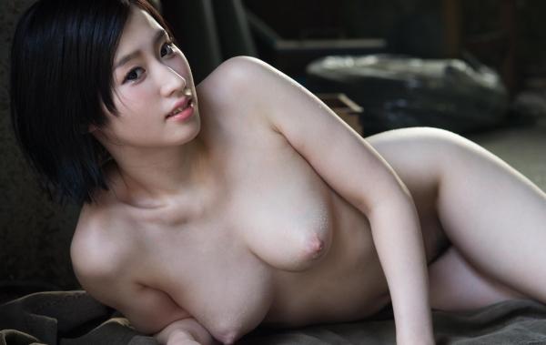 スレンダー巨乳の美女画像100枚の074枚目