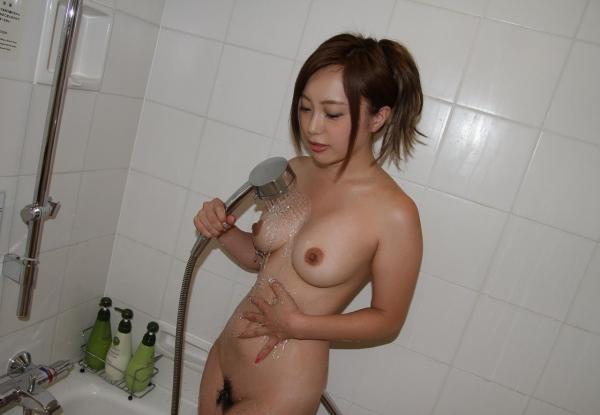 スレンダー巨乳の美女画像100枚の100枚目