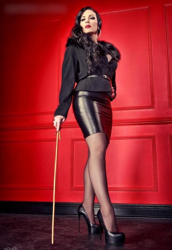 SMの女王様画像 ビンタされそうな強面の外国人美女50枚の42枚目