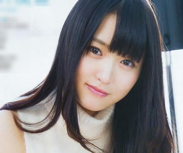 欅坂46の癒し代表 菅井友香 スレンダー美乳な水着画像31枚の1