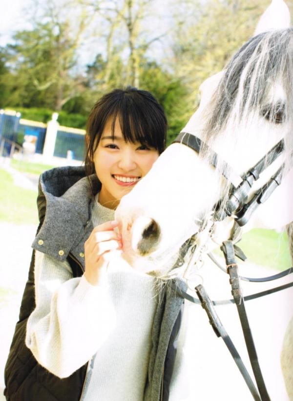 欅坂46の癒し代表 菅井友香 スレンダー美乳な水着画像31枚の03枚目