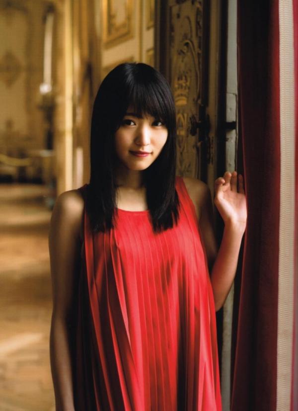 欅坂46の癒し代表 菅井友香 スレンダー美乳な水着画像31枚の07枚目