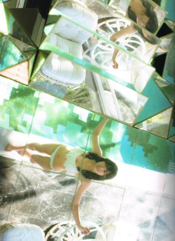 欅坂46の癒し代表 菅井友香 スレンダー美乳な水着画像31枚の10枚目