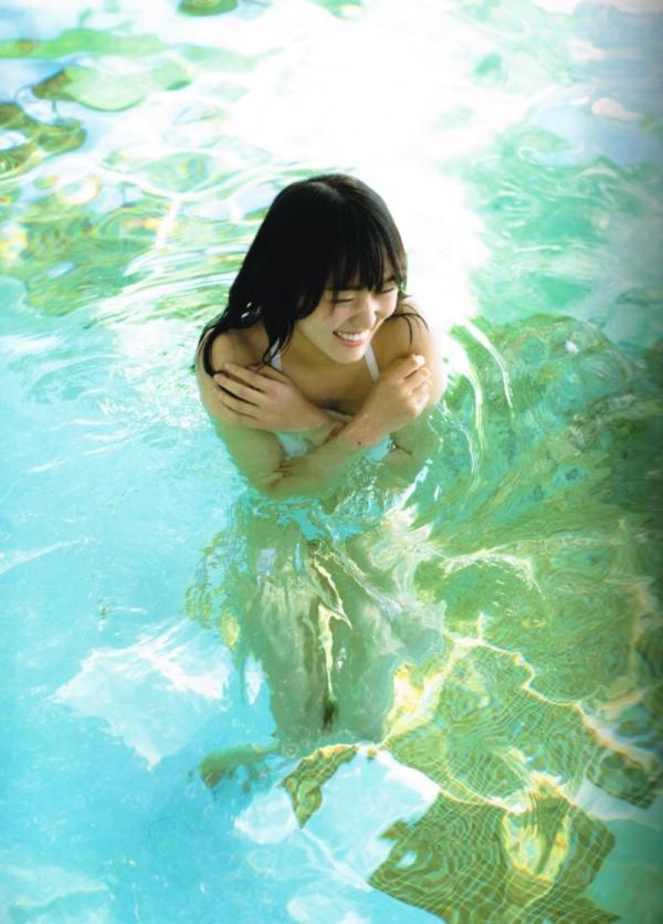 欅坂46の癒し代表 菅井友香 スレンダー美乳な水着画像31枚の12枚目