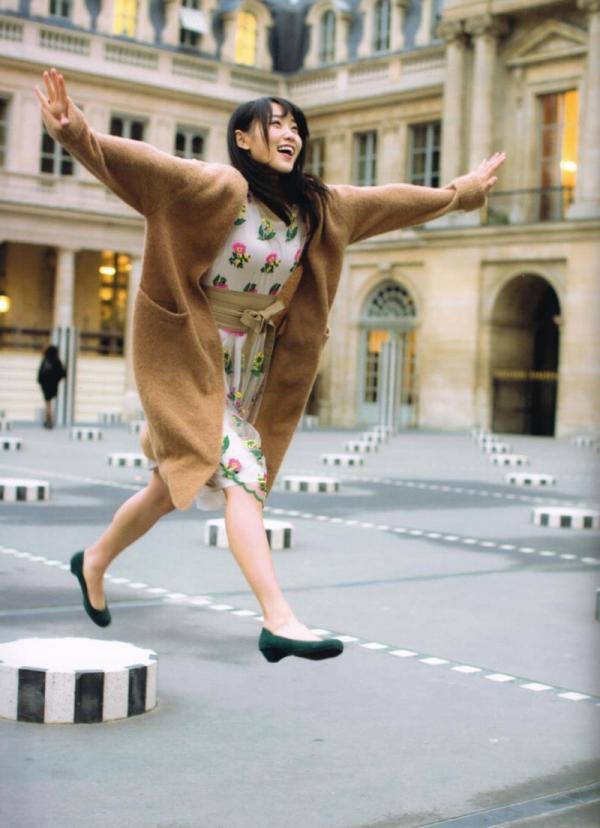 欅坂46の癒し代表 菅井友香 スレンダー美乳な水着画像31枚の17枚目